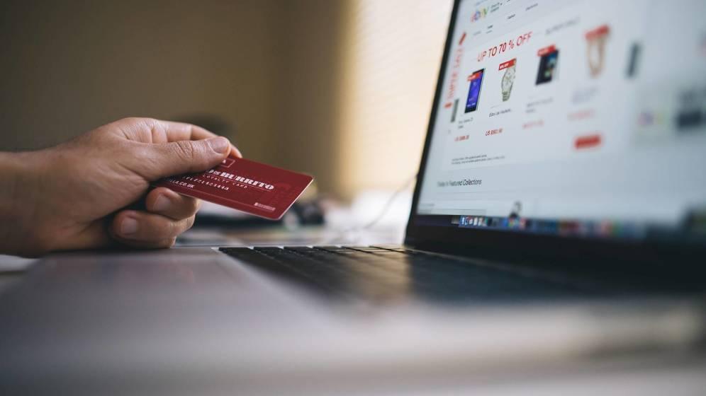 Llega la ley que revolucionará tu forma de comprar en internet: cómo te afecta PSD2